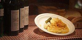 Швейцарское блюдо с расплавленным сыром